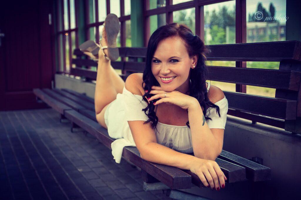 tfp Portrait Shooting mit Yvonne am Bahnhof Radebeul Ost