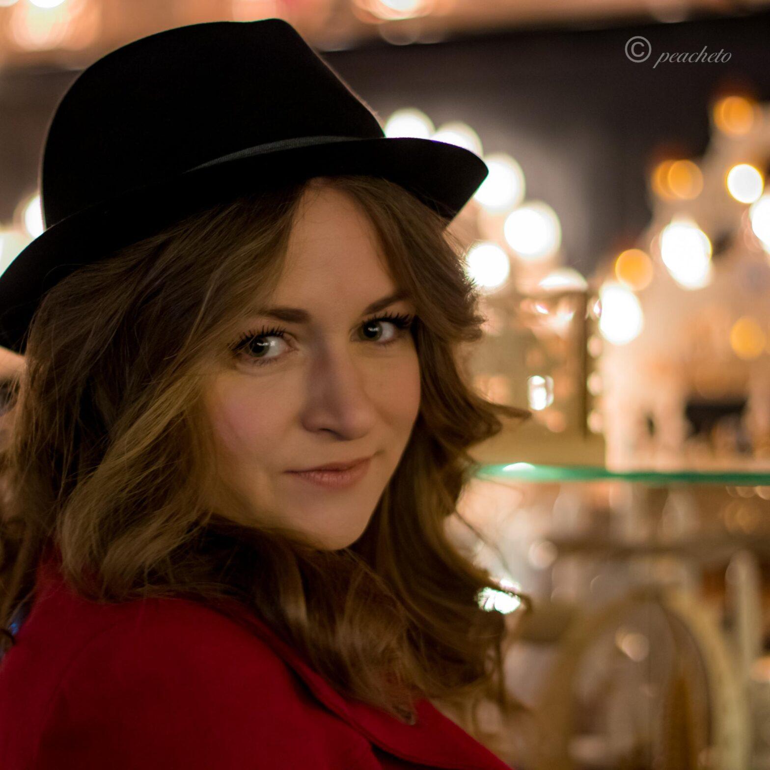 Anika Weihnachtsmartk Meißen portrait blitz outdoor