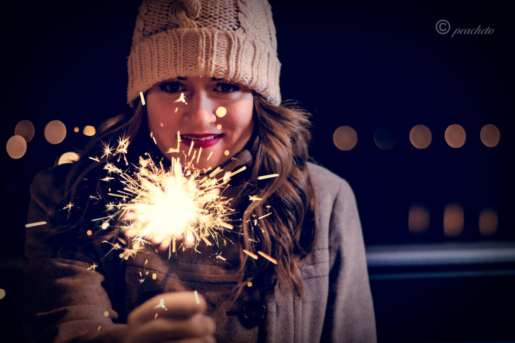 Portraitshooting mit Anika am Abend in Meißen mit Blitz und Wunderkerze